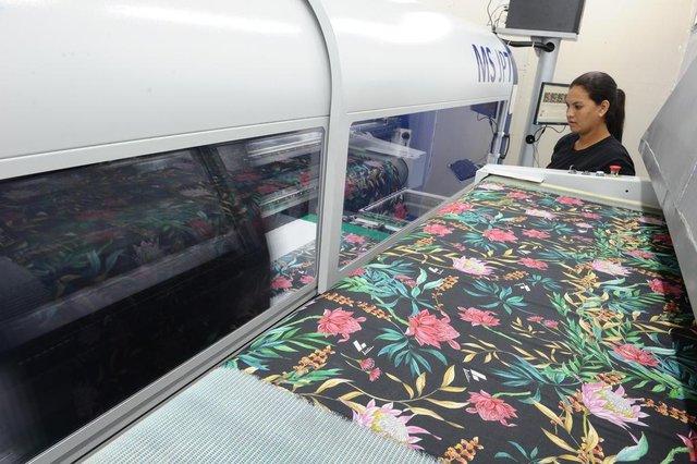 Blumenau - SC - Brasil - 16112017 - Lancaster empresa investe em impressão digital.