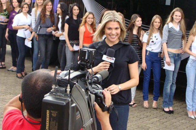 Isabel Ferrari nos bastidores do Menina Fantástica, em 2009