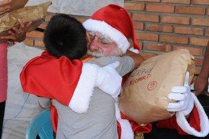 Campanha Papai Noel dos Correios começa dia 27 de novembro. Cartinhas para adoção estão disponíveis nos Correios. (Correios/Divulgação)