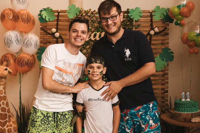 Tiago Firmo e Moisés Rocha na festa de aniversário de Kauan Firmo que completou 11 anos. = Coluna Rejane 3011