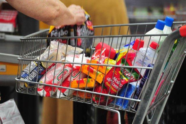JOINVILLE,SC,BRASIL,06-12-2017.Alta nos Imposto.Preços nos produtos da cesta básica também tiveram aumento.(Foto:Salmo Duarte/A Notícia)