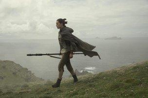 Guerra nas estrelas: jovem Rey busca entender o balanço da Força no novo longa da saga (Disney,Divulgação/Lucasfilm)
