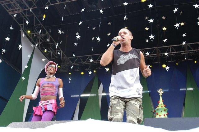 *** Andréa Graiz - Anfiteatro 3 ***Luciano Huck e Angélica comandam a chegada do Papai Noel no Anfiteatro Pôr-do-Sol. Na foto, show de MC Serginho e Lacraia.
