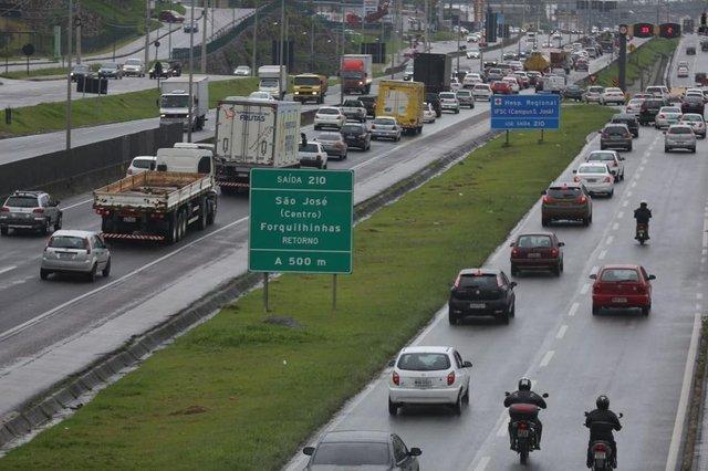 trânsito , rodovias