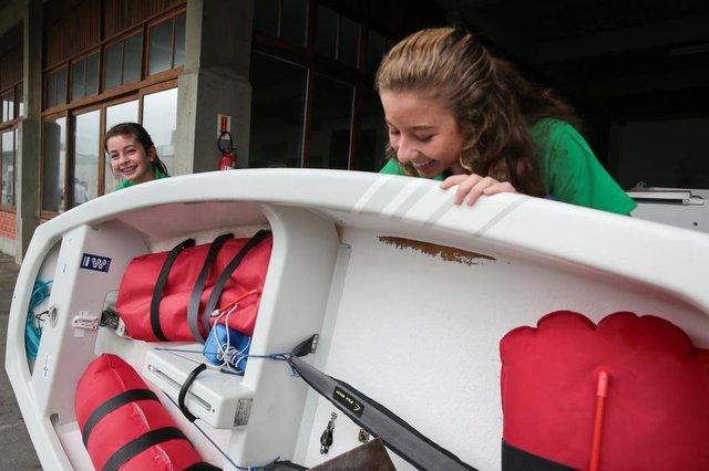 FLORIANÓPOLIS, SC, BRASIL, 29/12/2017: Irmãs velejadoras. Na foto: Isabela Rocha de Faria (D) e Sofia Rocha de Faria (E).(Foto: CRISTIANO ESTRELA / DIÁRIO CATARINENSE)