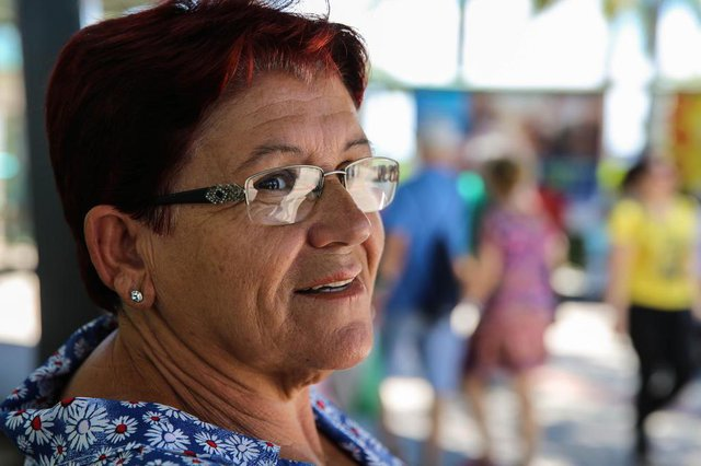 População comenta o aumento de R$17 no salário mínimo nacional. Na foto: Maurina Cardoso (63)). (FOTO: TIAGO GHIZONI - FLORIANÓPOLIS, SANTA CATARINA, BRASIL - 04/01/2017)