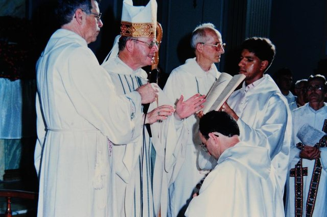 ANTONIO PRADO, RS, BRASIL (08/01/2018) Ordenação de Padre Paulo Venturini, na Igreja Matriz de Antonio Prado, em 08 de janeiro de 1995. (Roni Rigon/Pioneiro).