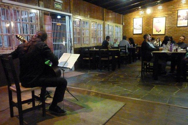 Show no bar La Cueva, em Caxias do Sul