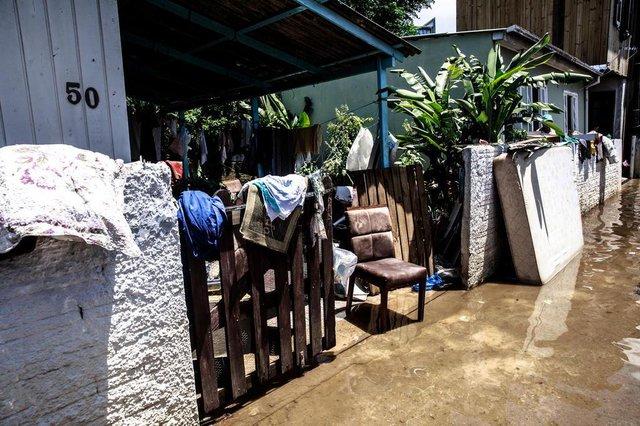 FLORIANOPOLIS, SC, BRASIL, 12.01.2018: Rescaldo das chuvas, enchentes e deslizamentos na ilha de Florianopolis. (Foto: Diorgenes Pandini/Diario Catarinense)Indexador: Diorgenes Pandini