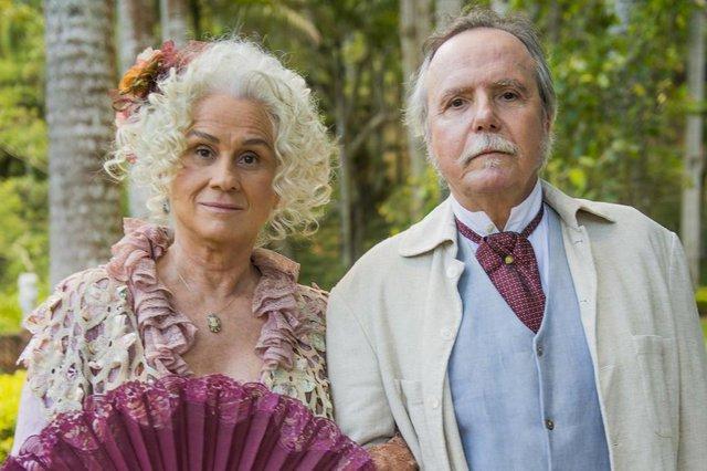 Ofélia (Vera Holtz) e Felisberto (Tato Gabus Mendes) em Orgulho e Paixão