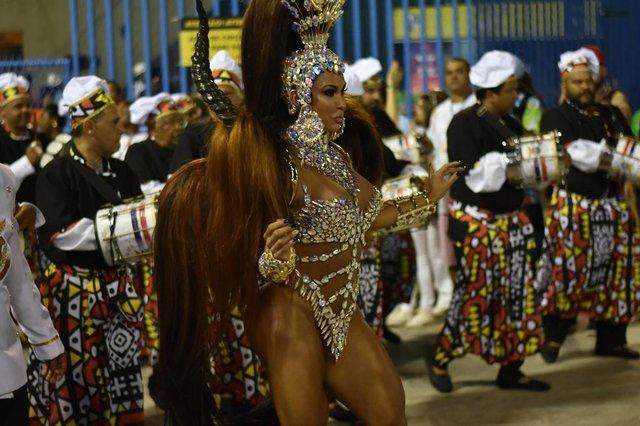 Musas da segunda noite de Carnaval do Rio 2018. Na foto, Gracyanne Barbosa.
