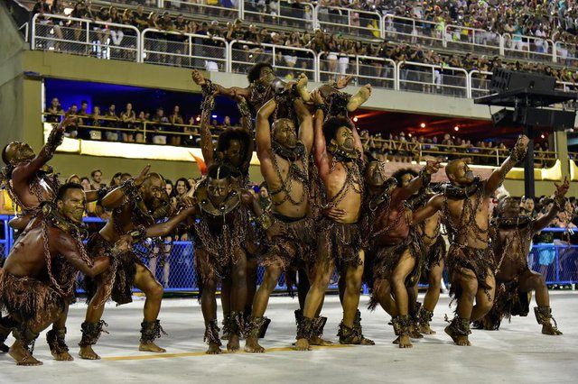 /PARAÍSO DO TUIUTIRJ - CARNAVAL 2018/RIO/PARAÍSO DO TUIUTI - CIDADES - Desfile da escola de samba Paraíso do Tuiuti no Grupo Especial do Carnaval do Rio de   Janeiro 2018, no Sambódromo da Marquês de Sapucaí, no centro da cidade, nesta segunda-   feira, 12.   12/02/2018 - Foto: THIAGO RIBEIRO/AGIF/ESTADÃO CONTEÚDOEditoria: CIDADESLocal: APERIBEIndexador: THIAGO RIBEIROFotógrafo: AGIF