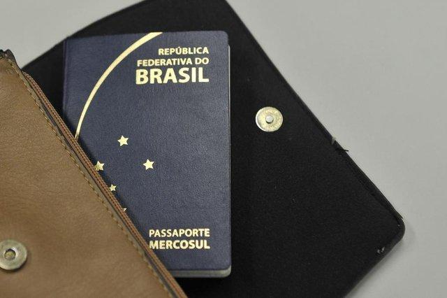 Blumenau - SC - Brasil - 17022018 - primeiros tramites para confecção do passaporte em cartórios.