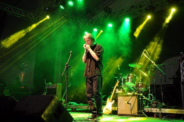 CAXIAS DO SUL, RS, BRASIL, 26/11/2016. Terceira e última noite do Mississippi Delta Blues Festival 2016 - Bottle Trees Edition. O hino nacional foi tocado por Gonzalo Araya (CHL). (Diogo Sallaberry/Agência RBS)