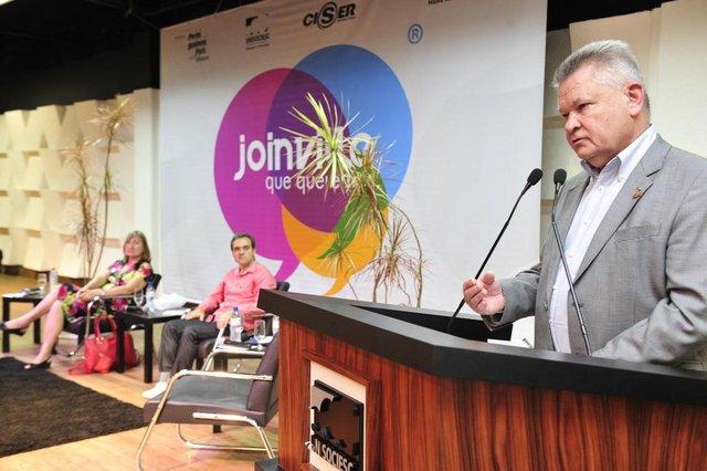 JOINVILLE, SC, BRASIL, 10-11-2013: Debates AN, JOINVILLE QUE QUEREMOS, discutiu mobilidade.