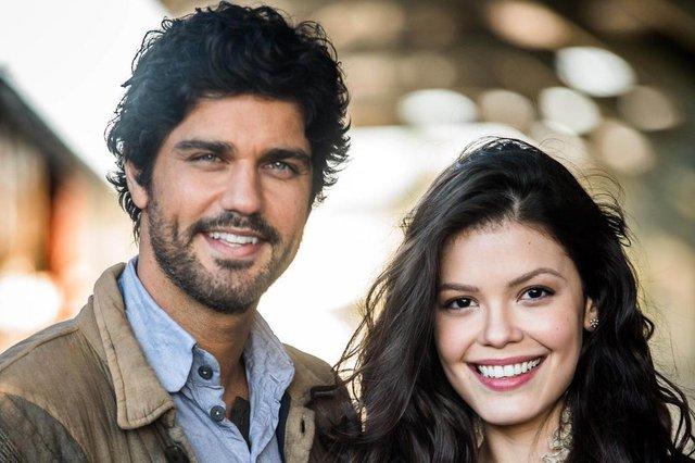 inácio ramos (Bruno Cabrerizo) e maria vitória (vitória strada), protagonistas de tempo de amar, nova novela das 18h da Globo