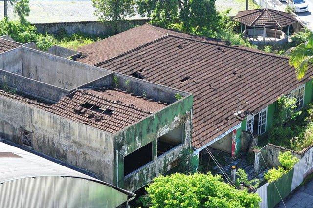 JOINVILLE,SC,BRASIL,23-02-2018.Predio do CEI Padre Carlos está abandonado e com muita água parada em sua estrutura.(Foto:Salmo Duarte/A Notícia)