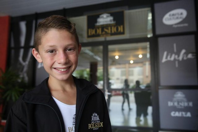 JOINVILLE, SC, BRASIL,  01-03-2018. Primeiros dias de Brian, adolescente de Canoas, no Balé Bolshoi. (TADEU VILANI/AGÊNCIA RBS)