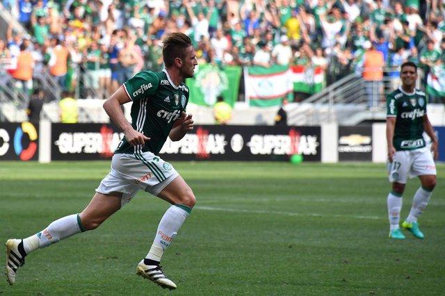 Fabiano comemora o gol do título para o PalmeirasEditoria: SPOLocal: Sao PauloIndexador: NELSON ALMEIDASecao: soccerFonte: AFPFotógrafo: STF