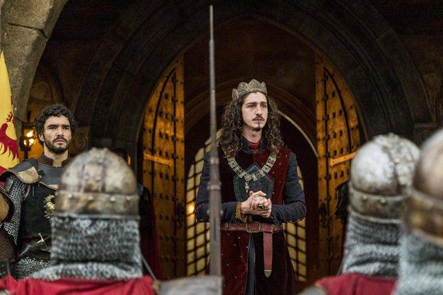 Rei Rodolfo (Johnny Massaro) A Grande Batalha, Deus Salve o Rei, novela, episódio, cenas