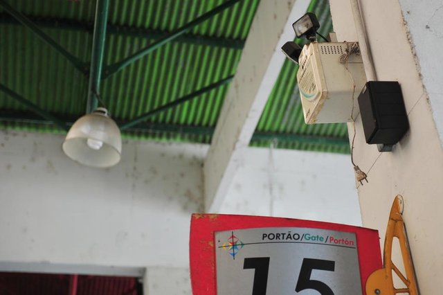 JOINVILLE,SC,BRASIL,07-03-2018.Rodoviária de Joinville em estado de abandono.Iluminação de emergência.(Foto:Salmo Duarte/A Notícia)