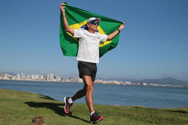 FLORIANÓPOLIS, SC, BRASIL, 16/03/2018:  Corredor Djalma Moura, 61 anos.(Foto: CRISTIANO ESTRELA / DIÁRIO CATARINENSE)