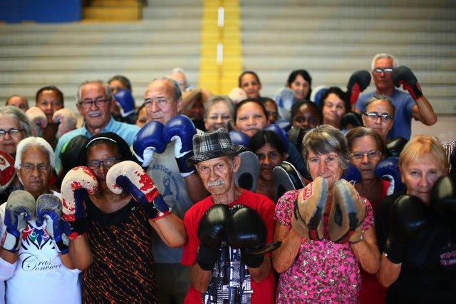 ESTEIO - RIO GRANDE DO SUL - BRASIL - Aulas de boxe para a 3ª idade - idosos de Esteio estão tendo aulas gratuitas da modalidade. (FOTO: LAURO ALVES)