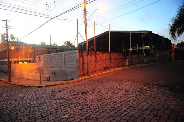 CAXIAS DO SUL, RS, BRASIL, 29/03/2018. Crianças são baleadas na saída de escola no bairro Kayser. (Porthus Junior/Agência RBS)