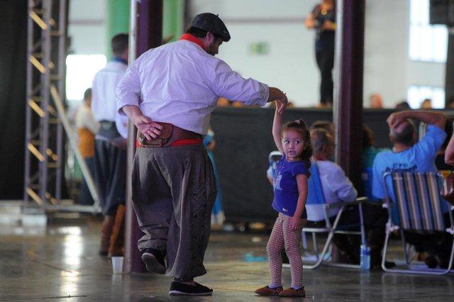 CAXIAS DO SUL, RS, BRASIL 08/04/2018Festival de danças Campos dos Bugres nos pavilhões da Festa da Uva em Caxias do Sul. (Felipe Nyland/Agência RBS)