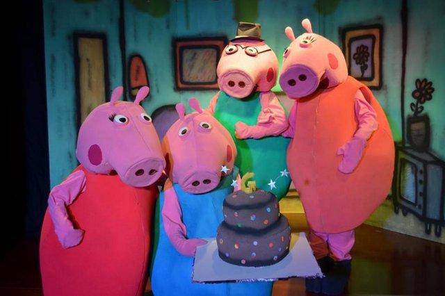 Peça Peppa Pig e o aniversário de George.
