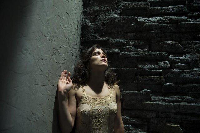 o outro lado do paraíso, Clara  (Bianca Bin)