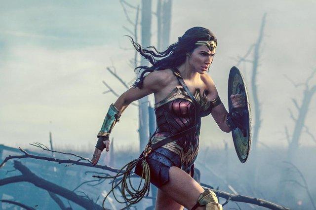 Diana Prince/Wonder Woman-GAL GADOT