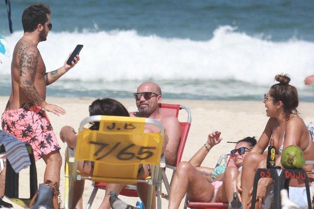 Famíla Gretchen na praiaIndexador: Picasa