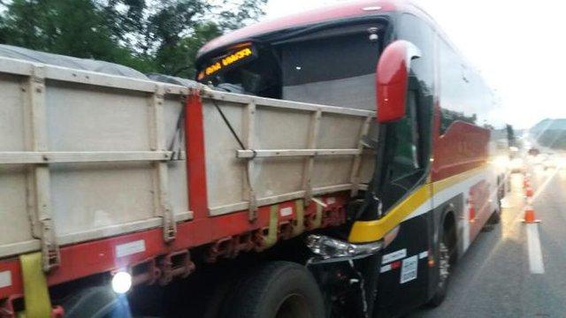 Acidente ocorreu no Km 12, em Garuva, no sentido Paraná