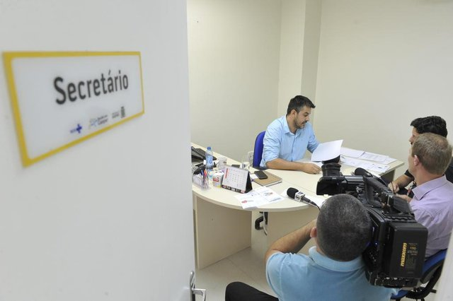 Gaspar - SC - Brasil - 11052018 - Médico José Alberto Dantas trabalho no hospital de Gaspar com suspenção pelo CRM. Secretário de saúde Carlos Pereira.