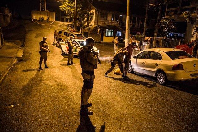 Nova fase da operação Adsumus, em Blumenau, tem quase 500 pessoas abordadas e seis detidas
