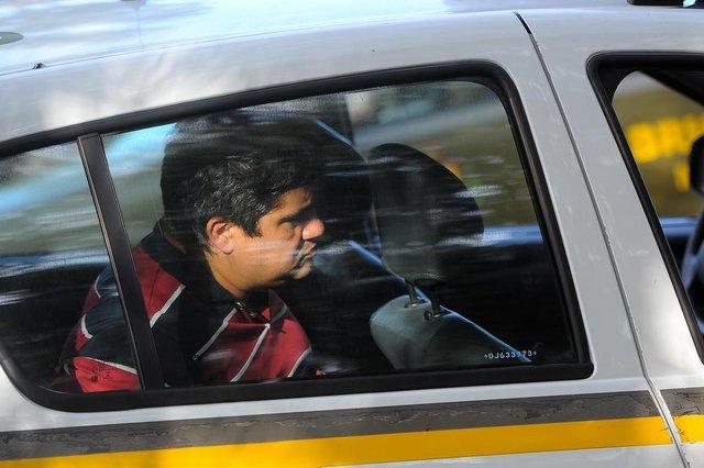 CAXIAS DO SUL, RS, BRASIL 17/05/2018Um suspeito de integrar uma quadrilha de furto e arrombamentos de residências morreu em confronto com a Brigada Militar (BM), em Caxias do Sul, na tarde desta quinta-feira. Dois homens foram presos durante a ocorrência, no início da tarde, na Rua Lila Ripol no bairro Sanvitto. (Felipe Nyland/Agência RBS)