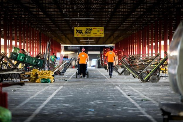 Na Ceasa, em São José, quase 60% dos produtos previstos não chegou nesta quinta-feira (Diário Catarinense/Tiago Ghizoni)