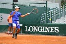 Mateo Reyes conquistou vaga vencendo o indiano Siddhant Banthia e o chinês Zhou Xinmu (Roland Garros/Divulgação)