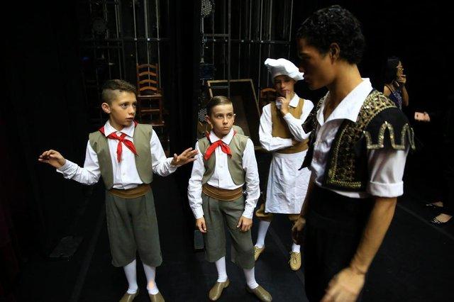 PORTOALEGRE-RS-BR 0 30.05.2018Brian Soasres dos Santos, de Canoas, RS, começou este ano a estudar na escola Balé do Bolshoi,  faz a primeira apresentação com o Bolshoi de Joinville-SC,  no teatro do Bourbon Country, em Porto Alegre.FOTÓGRAFO: TADEU VILANI AGÊNCIARBS EDITORIA DG