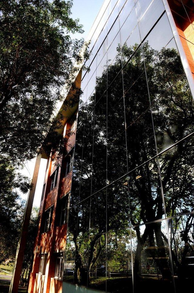 CAXIAS DO SUL, RS, BRASIL 22/05/2018No ano passado, a Universidade de Caxias do Sul (UCS) anunciou um pacote de investimentos até 2022. Agora, alguns projetos começam a sair do papel: o Complexo Ecológico-Veterinário, que integra o Hospital Veterinário no bloco 46 com o zoológico e o lago da UCS; e o Centro Clínico, que integra a Clínica de Fisioterapia, o Instituto de Medicina do Esporte e o Ambulatório Central, que deixará de atender exclusivamente pelo SUS. (Lucas Amorelli/Agência RBS)
