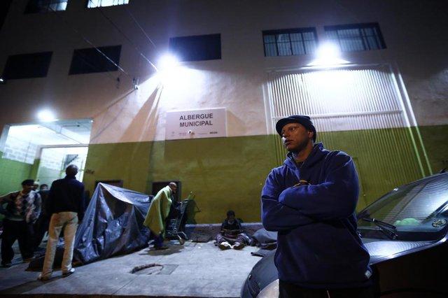 PORTO ALEGRE, RS, BRASIL, 05-06-2018. Assunção Ferreira Silveira. Albergue Municipal de Porto Alegre está em situação de abandono. (CARLOS MACEDO/AGÊNCIA RBS)Indexador: Carlos Macedo