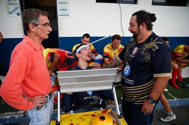 PALHOÇA, SC, BRASIL, 10-06-2018: Guto Delfino, jovem com paralisia cerebral que virou auxiliar técnico no amador de Palhoça terminou o campeonato como vice-campeão.