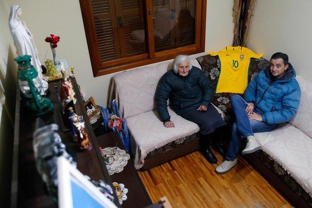 CAXIAS DO SUL , RS ,BRASIL 15/06/2018. ESPORTE: Perfil do técnico da Seleção Brasileira.Mãe Ivone Mazzochi Bachi