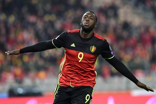 Belgiums  Romelu Lukaku celebrates after scoring a goal during the World Cup 2018 football qualification match between Belgium and Estonia on November 13, 2016 at the King Baudouin Stadium in Brussels. / AFP PHOTO / EMMANUEL DUNAND