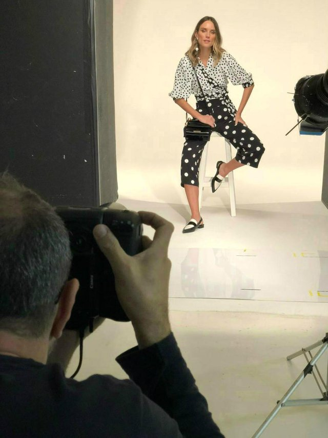 Grife Loucos & Santos fotografa campanha Primavera Verão 2019