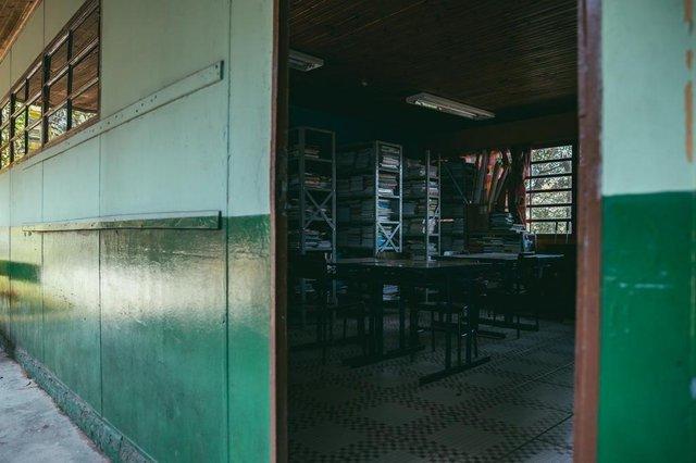 VIAMÃO, RS, BRASIL, 21/06/2018 :  Escola Estadual de 1º Grau Incompleto Érico Veríssimo - Escola que está sem luz há meio ano. Pais e professores estão revoltados e alunos não querem mais estudar. (Omar Freitas/Agência RBS)