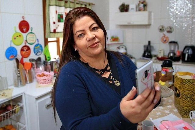 PORTO ALEGRE, RS, BRASIL, 27/06/2018 - Entrevista com Iborema Labrea, digital influencer de Sapucaia e criadora do grupo no facebook Marias Vem Comigo - grupo com mais de 1milhão de usuários, destinado exclusivamente à mulheres, para troca de dicas de organização, receitas. (FOTOGRAFO: JÚLIO CORDEIRO / AGENCIA RBS)