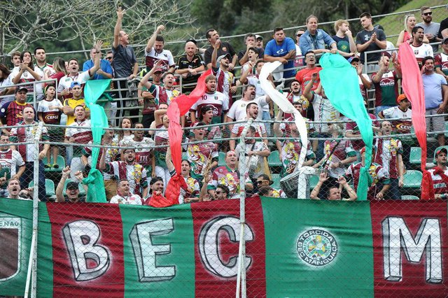 Blumenau - SC - Brasil - 08072018 - Jogo classico de Blumenau, Metropolitano x BEC no estádio do Sesi.