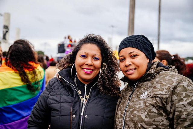 PORTO ALEGRE, RS, BRASIL, 08/07/2018 : Primeira Parada LGBT da Restinga, a LGBTinga. Cristiane Barbosa e Andreza Varanti  (Omar Freitas/Agência RBS)